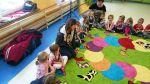 Zwierzątko surykatka w Przedszkolu w Józefowie